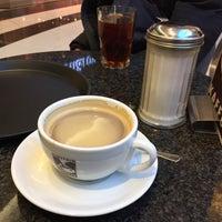 Снимок сделан в Einstein Kaffee пользователем Gökhan G. 1/17/2017