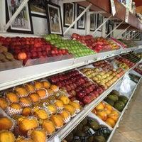 Foto tirada no(a) Frutas Rondon por Michel V. em 12/26/2012