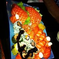 รูปภาพถ่ายที่ Shinkai Sushi โดย Ga F. เมื่อ 12/8/2012