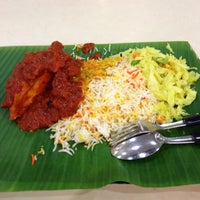 Photo taken at Shami Banana Leaf - North Point by Pancras G. on 4/11/2013