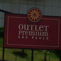 Снимок сделан в Outlet Premium São Paulo пользователем Simone M. 11/11/2012