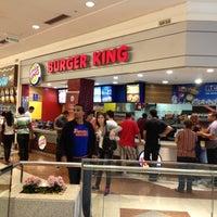 Foto tirada no(a) Burger King por Wenderson N. em 11/11/2012