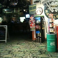 Photo taken at Quaker Steak & Lube® by Jojo T. on 11/11/2012