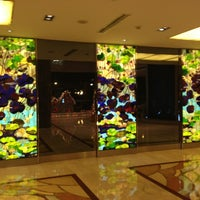 Photo taken at Shanghai Int'l Equatorial Hotel | 上海国际贵都大饭店 by Ray H. on 12/20/2012