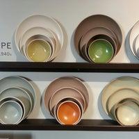 1/5/2013 tarihinde Christopher S.ziyaretçi tarafından Heath Ceramics'de çekilen fotoğraf