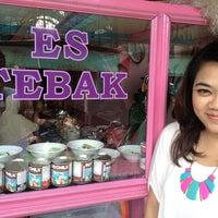 Photo taken at Es Tebak Pak Bahar by ridha s. on 6/29/2013