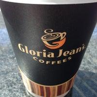 Photo taken at Gloria Jean's Coffees by Nav E. on 12/28/2012
