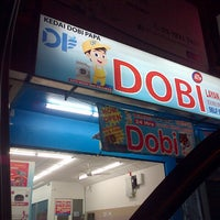 Photo taken at Dobi Papa 24 Hours Self-Laundry by wan zuhairi w. on 10/20/2013