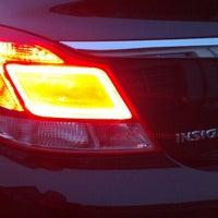 รูปภาพถ่ายที่ Auto Engleder GmbH โดย Günter H. เมื่อ 2/12/2013