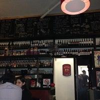 Foto tirada no(a) Urriola Café Resto Bar por Ingrid C. em 4/28/2013