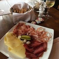 Das Foto wurde bei Restaurant La Ferme von Alexander V. am 8/2/2014 aufgenommen