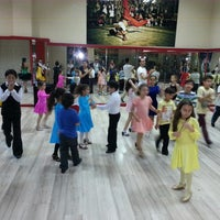 Photo taken at Seans Dance by Aslhn G. on 5/2/2014