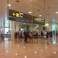 Photo taken at Barcelona–El Prat Airport (BCN) by Дмитрий И. on 10/11/2013