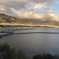 Foto diambil di Centauera Butik Hotel &Cafe oleh Zeliş D. pada 11/10/2017