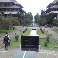 Photo taken at Institut Teknologi Bandung (ITB) by Farid R. on 10/30/2012