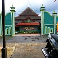 Photo taken at Gereja Katolik Santo Yusup Bandung by erland r. on 12/24/2014