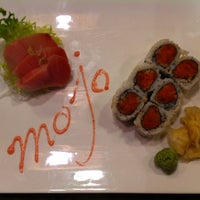 Photo taken at Mojo Asian Cuisine & Sushi Bar by Diana K. on 6/1/2014