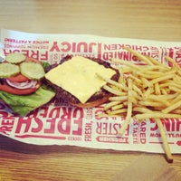 Photo taken at Smashburger by De'Qustay' J. on 7/15/2014