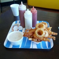Photo taken at Harbor Fish and Chips by Yoshiyuki on 10/21/2012