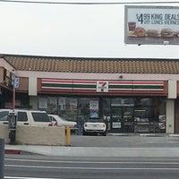 Foto scattata a 7-Eleven da Todd S. il 3/18/2013