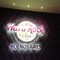 Foto scattata a Hard Rock Café da Cristiane L. il 6/9/2013