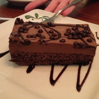 Photo taken at Olive Garden by Anhvy D. on 2/13/2013
