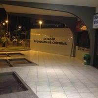 Photo taken at Estação Rodoviária de Criciúma by Ismael G. on 11/26/2012
