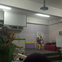 Photo taken at Tupperware Brands - Dhiya Legacy, Putra Heights by iam_syafiq on 6/4/2016