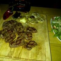 4/25/2013 tarihinde gunay j.ziyaretçi tarafından Dükkan Steakhouse'de çekilen fotoğraf