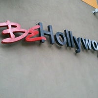 Photo prise au BE Hollywood Boutique Hotel par Dee F. le9/28/2013