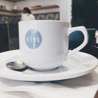 Das Foto wurde bei Cafe Velvet Brussels von Hannah C. am 7/14/2016 aufgenommen