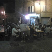 รูปภาพถ่ายที่ Bar Il Pirata โดย Lorenzo M. เมื่อ 8/22/2013