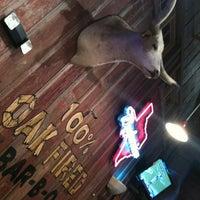 Foto tirada no(a) Rudy's Country Store & Bar-B-Q por Omar G M. em 12/29/2012