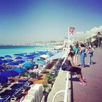 รูปภาพถ่ายที่ Promenade des Anglais โดย Melanie N. เมื่อ 6/15/2015