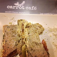 Foto tomada en Carrot Café por Andrea V. el 3/22/2013