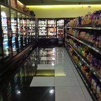 Photo taken at Fresh Market by Jose M. on 11/22/2012