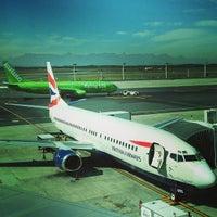 Foto tirada no(a) Aeroporto International da Cidade do Cabo (CPT) por Stefan S. em 4/26/2013