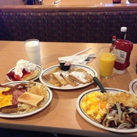 Photo taken at IHOP by Diego Z. on 5/7/2013