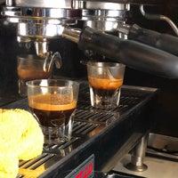 Foto diambil di Iron Horse Coffee Bar oleh Akshay M. pada 5/30/2018