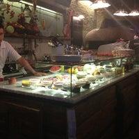 Foto tirada no(a) Taverna Del Borgo Antico por Maria S. em 8/21/2013