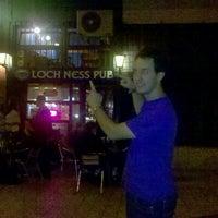 Das Foto wurde bei Loch Ness Pub von Like a B. am 10/4/2012 aufgenommen