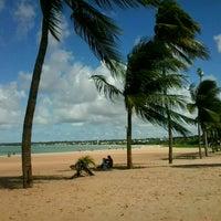 Foto tirada no(a) Praia de Tambaú por Jaymison F. em 4/25/2013
