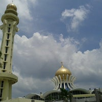 Photo taken at State Mosque (Masjid Negeri) by alang a. on 7/21/2013