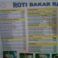 Photo taken at Roti Bakar Raos by Inoe I. on 6/12/2013
