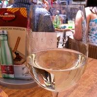 Das Foto wurde bei La Piazza Cafe Bar von Hildegard M. am 6/30/2013 aufgenommen