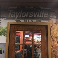 Photo taken at Applebee's Neighborhood Grill & Bar by Bo A. on 1/9/2016