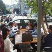 10/8/2012 tarihinde Olcay F.ziyaretçi tarafından Mimoza Büfe'de çekilen fotoğraf