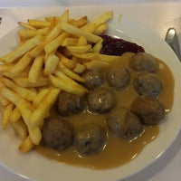 Photo prise au IKEA restaurace par Jan D. le9/10/2013
