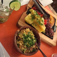 4/18/2017 tarihinde Karen L.ziyaretçi tarafından Macaxeira Restaurante e Cachaçaria'de çekilen fotoğraf