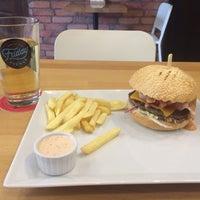 Снимок сделан в Starsky Grill & Burgers пользователем Ivan M. 8/18/2016